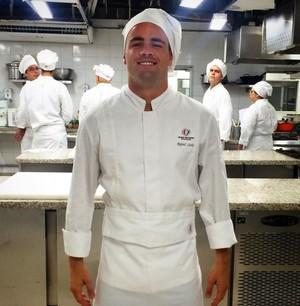 Rafael está cursando faculdade de gastronomia (Foto: Arquivo pessoal)