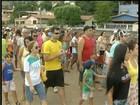 Moradores protestam contra captação de água do Rio Doce em Resplendor