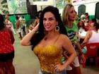 Solange Gomes vai de chinelinho à feijoada da Santa Cruz