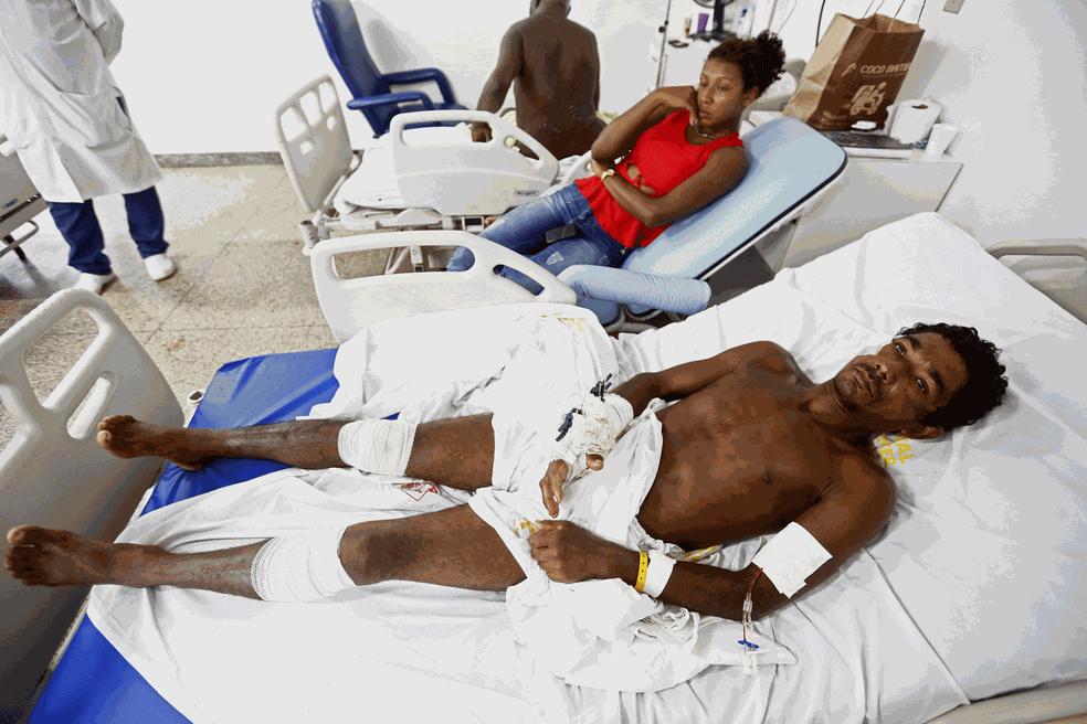 Índios feridos no Maranhão (Foto: Lunaé Parracho/Reuters)