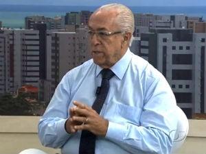 Dr. Milton Hênio fala sobre leucemia infantil  (Foto: Reprodução/TV Gazeta)