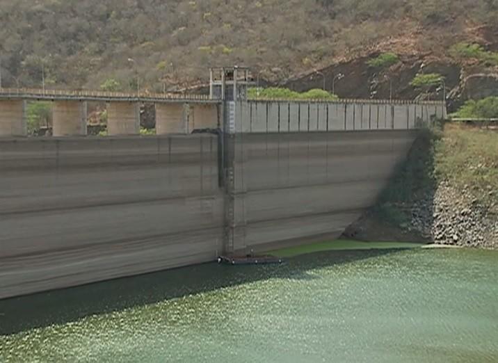 Barragem de Jucazinho está com 12% da capacidade (Foto: Reprodução/ TV Asa Branca)