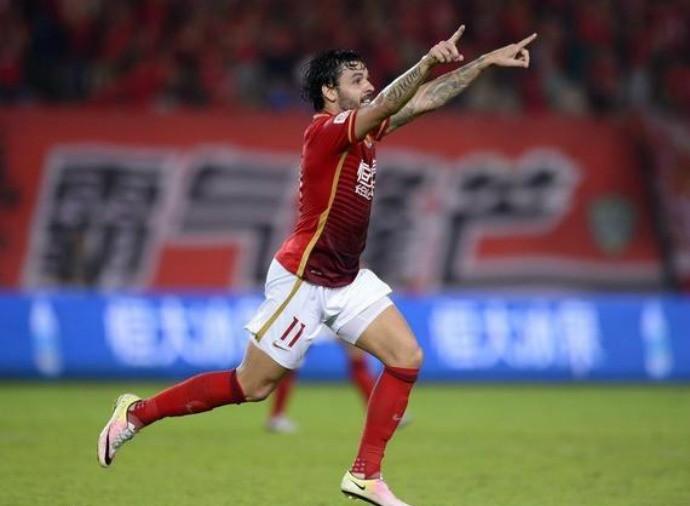 Ricardo Goulart, Guangzhou Evergrande x Shanghai SIPG (Foto: sina.com)