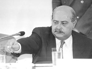 PC Farias durante depoimento na CPI da corrupção, em dezembro de 1993 (Foto: Pisco Del Gaiso/Folhapress)