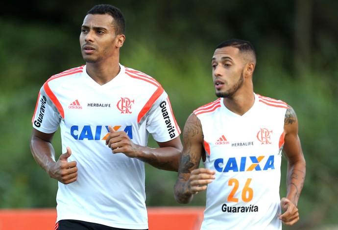 Elton e Paulinho, treino Flamengo (Foto: Mário Farache / Mowa Press)