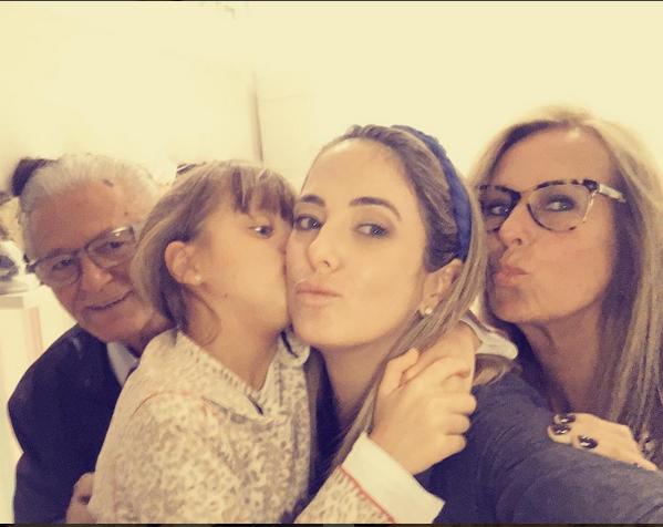 Ticiane Pinheiro posa com a família (Foto: Reprodução/Instagram)