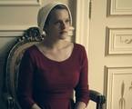Elisabeth Moss em cena de 'The Handmaid's Tale' | Divulgação/Hulu