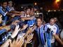 A volta do 9: as opções do Grêmio com a chegada de Lucas Barrios