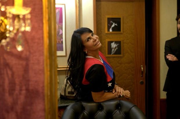 Gretchen no salão de beleza (Foto: Anderson Barros / EGO)