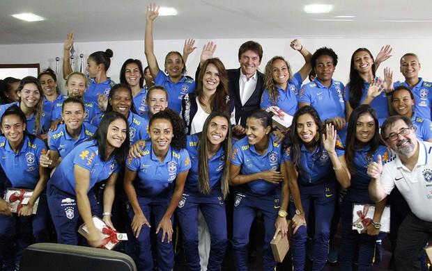 BLOG: Seleção brasileira feminina é recebida pelo governador do RN