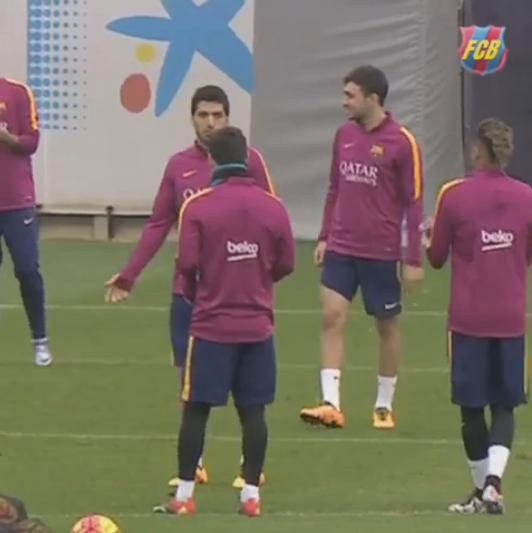 """BLOG: Luis Suárez é """"trolado"""" por Messi em brincadeira com Neymar e fica sem graça"""