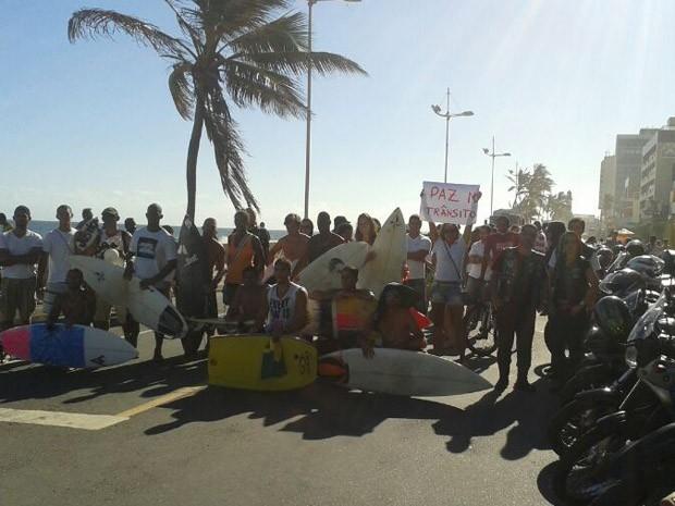 Motoqueiros, amigos e parentes fazem passeata por morte de irmãos na BA (Foto: Ricardo Sizilio / Arquivo Pessoal)