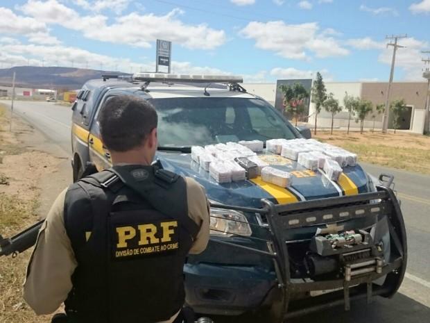 Polícia Rodoviária Federal realiza maior apreensão de anfetaminas do ano na bahia (Foto: Divulgação/Polícia Rodoviária Federal)