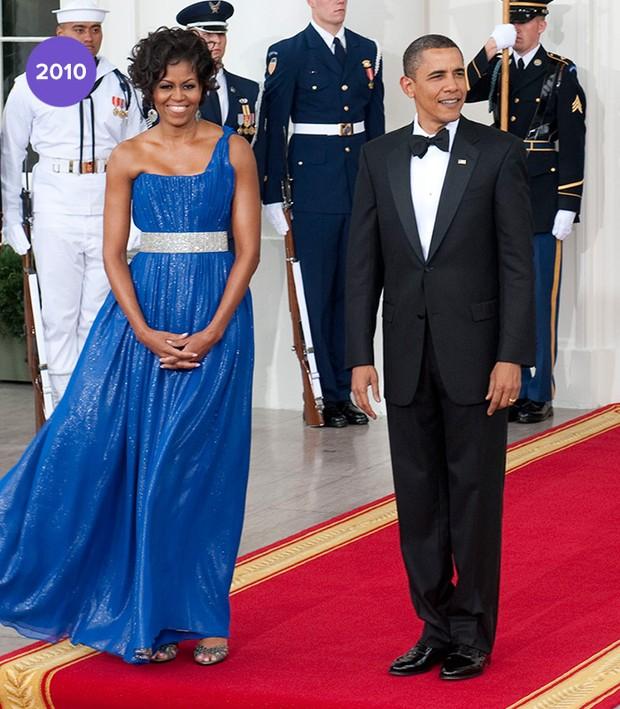 Michelle Obama e os 10 vestidos mais poderosos usados como 1ª dama durante os oito anos de mandato do presidente americano Barack Obama. Trajetória fashion de sucesso com muito estilo e sem ostentação (Foto: Getty Images)