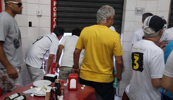 santos botafogo confusao vila belmiro (Foto: Gabriela Fernandes/Arquivo Pessoal)