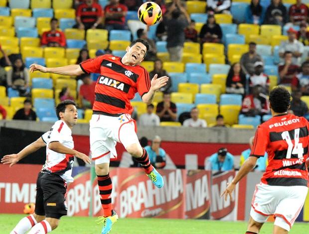 Chicão Flamengo e Vitória (Foto: Alexandre Vidal / Fla Imagem)