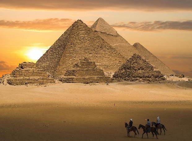Egito-Piramides (Foto: Reprodução/Enigmas do Universo)