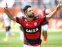 Com história de gols e polêmica, Diego reencontra Morumbi e o São Paulo