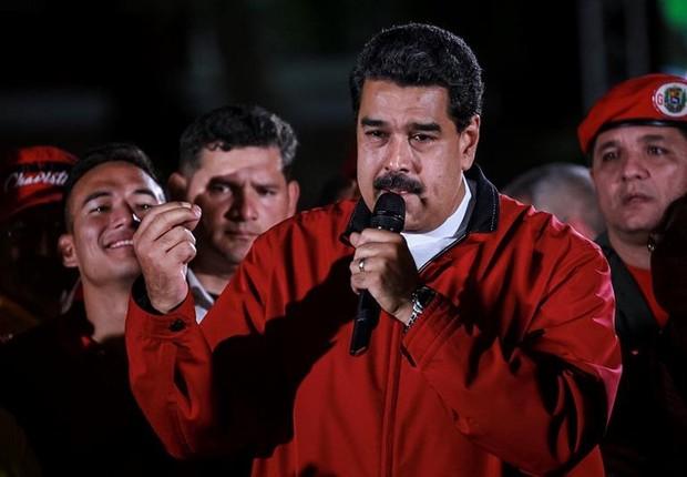 O presidente venezuelano Nicolás Maduro comemora a participação de eleitores na Venezuela (Foto: Nathalie Sayago/EFE)