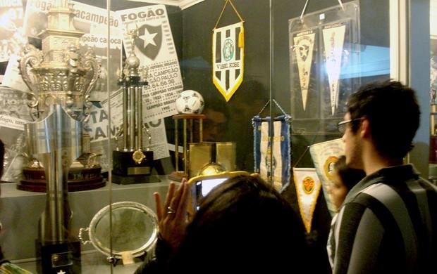 homenagem Garrincha no Botafogo  (Foto: Thiago Benevenutte )