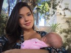Thais Fersoza posa amamentado a filha Melinda: 'Nossa misturinha'