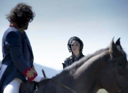 Anna vai atrás de Joaquim e o surpreende