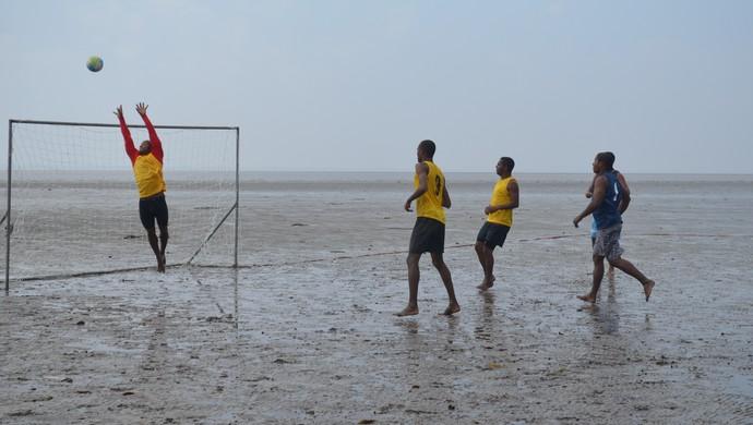Futebol, Polvo e Muruci, vencem no estadual de Futelama no Amapá (Foto: Jonhwene Silva-GE/AP)