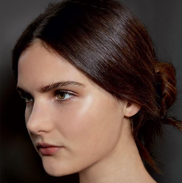 Penteados simples e fáceis de fazer são tendência