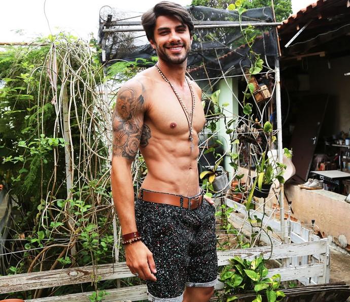 Renan mora em São Paulo é muito ligado na família  (Foto: Fernanda Frozza/Gshow)