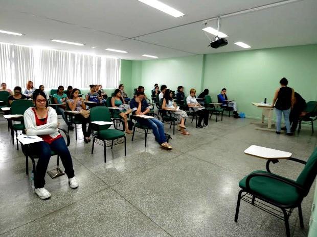 Provas foram aplicadas nesta sexta na capital e no interior (Foto: Joelma Sanmelo/UEA)