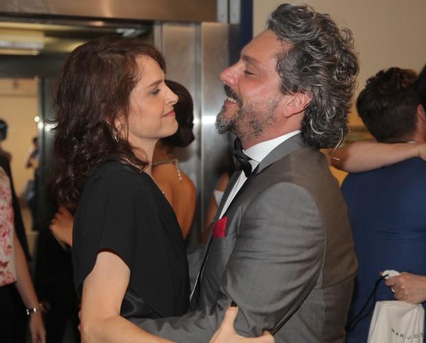 Drica Moraes e Alexandre Nero se reencontram (Foto: Artur Meninea/ Gshow)