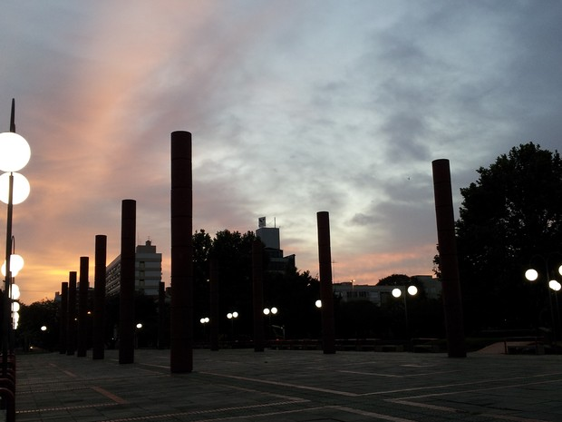 Dia em Porto Alegre amanheceu nublado, mas chuva só deve chegar sexta à capital (Foto: Cristiane Silva/RBS TV)