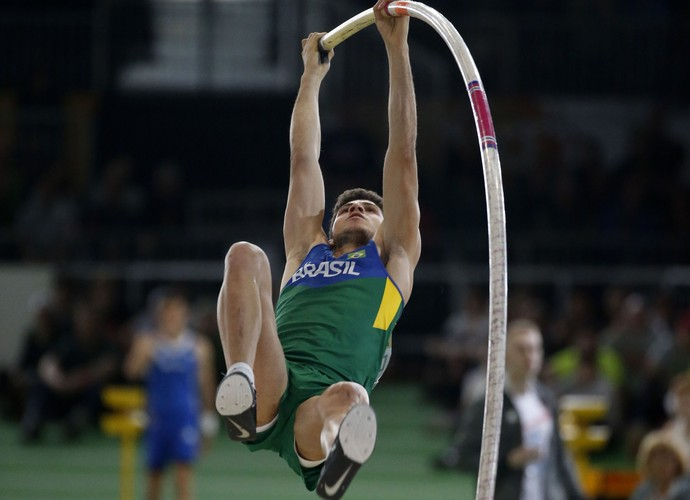 Thiago Braz não conseguiu pódio no Mundial Indoor  (Foto: Reuters)