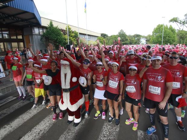 5ª Corrida e Caminhada de Natal é sucesso em Gramado (Foto: Cleiton Thiele/Divulgação)