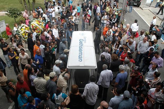 Enterro de Jair Rodrigues (Foto: Amauri Nehn/Photo Rio News)