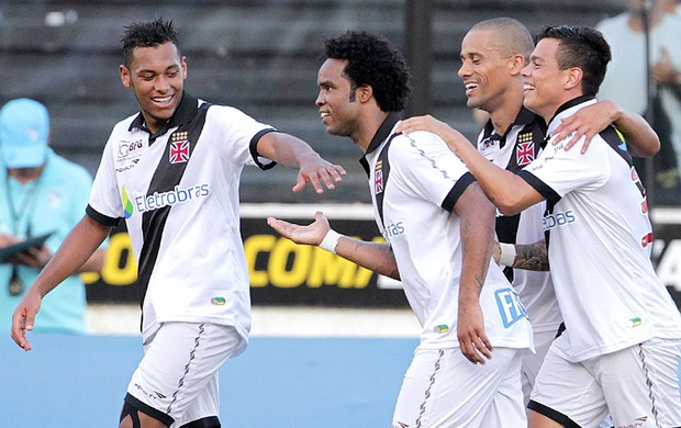 Carlos Alberto comemora gol do Vasco contra o Audax (Foto: Marcelo Sadio / Site do Vasco)