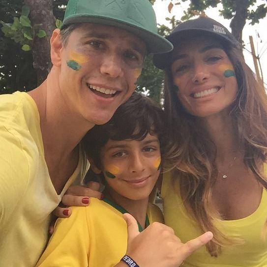 Marcio Garcia e família em manifestação anti-Dilma (Foto: Instagram / Reprodução)