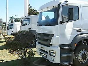 caminhão (Foto: Reprodução/TV TEM)