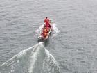Bombeiros retomam buscas por pescadores desaparecidos em rio
