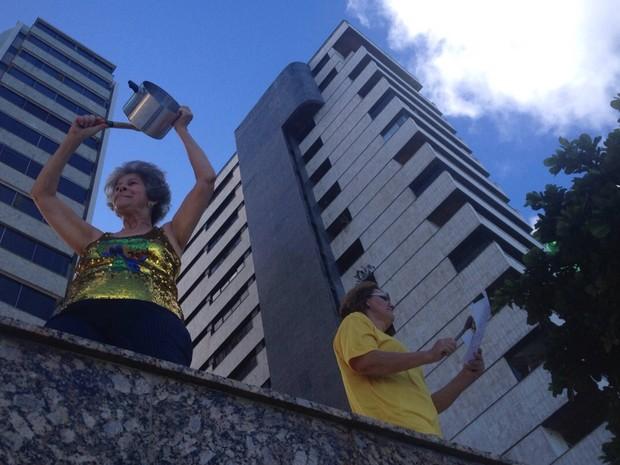 Manifestação no Recife (Foto: Kely Marinho/TV Globo)