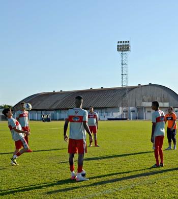 Vilhena está com elenco reduzido para enfrentar o Rio Branco-AC, pela Série D (Foto: Dennis Weber)
