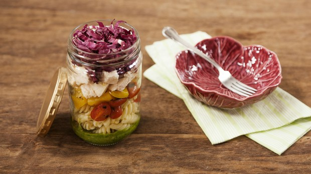 Cozinha prtica, episdio risoto, salada de macarro (Foto: Editora Panelinha/Gilberto Jr.)