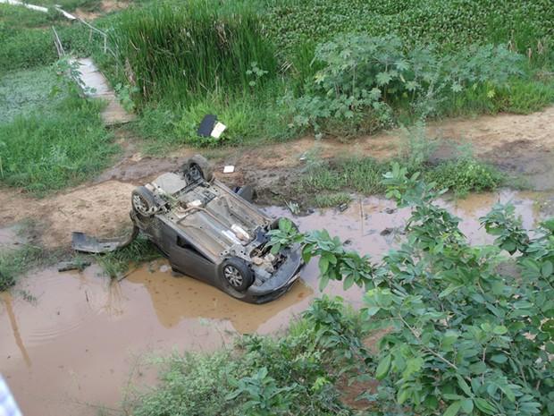 Acidente de carro em Salgueiro (Foto: Francisco de Assis Gomes da Silva / Arquivo pessoal)