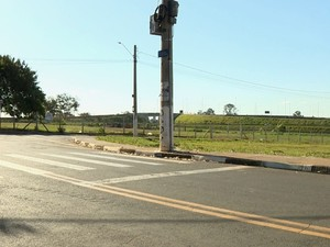 Adolescente foi atropelada na Vila Padre Anchieta, em Campinas (Foto: Reprodução / EPTV)