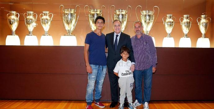 Real Madrid refugiado Síria (Foto: Divulgação/Site oficial do Real)