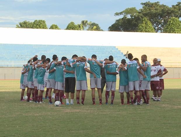 Já no Acre, Desportiva-ES realiza bate bola no Florestão (Foto: Divulgação/TV Acre)