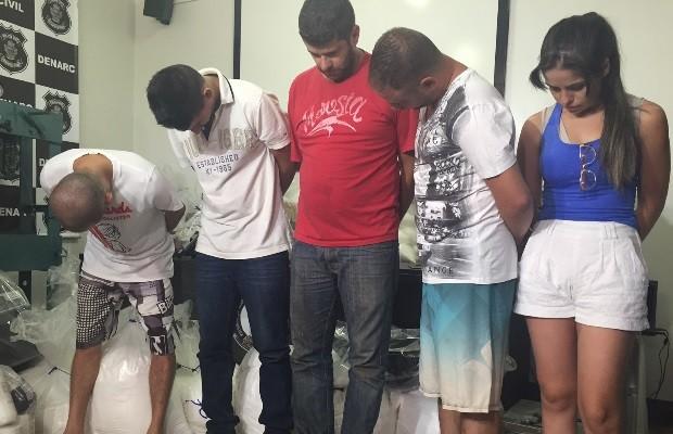 Grupo foi preso suspeito de trabalhar em laboratório de refino de drogas Goiás Goiânia (Foto: Murillo Velasco/G1)