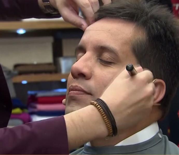 Maquiagem para o noivo evita deixar a pele brilhando (Foto: Gshow)