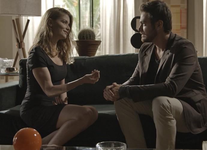 Lívia devolve o anel para Pedro e diz que está com Felipe (Foto: TV Globo)