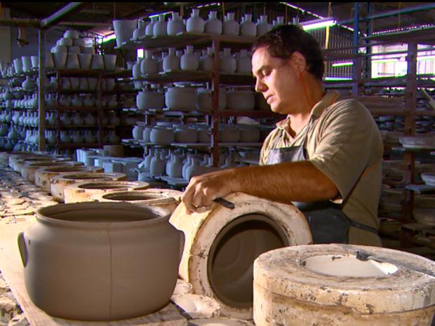 Cerâmicas esperam aumento de 30% no inverno em Porto Ferreira (Foto: Reprodução/EPTV)